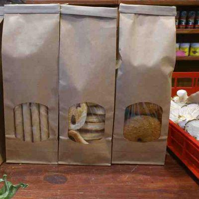 Bolsas papel plastificado kraft marrones con ventana y for Papel pintado plastificado
